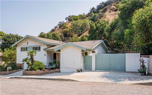 Photo of 3400 Loadstone Drive, Sherman Oaks, CA 91403 (MLS # SR20165368)