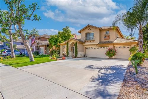 Photo of 39455 Bainbridge Circle, Murrieta, CA 92563 (MLS # SW21098368)