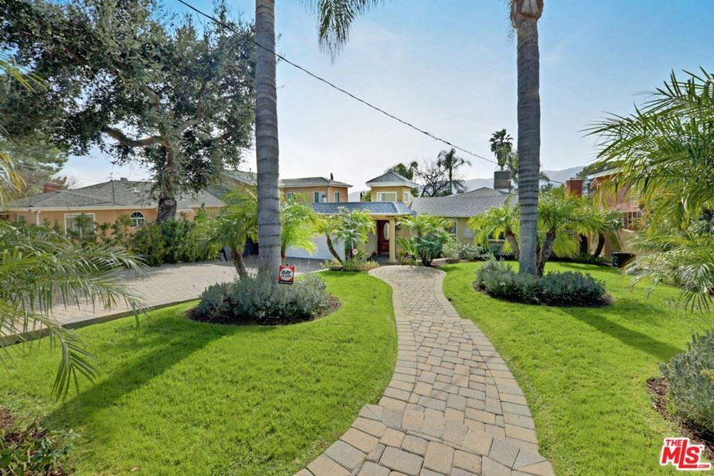 Photo of 2830 Paraiso Way, La Crescenta, CA 91214 (MLS # 21776368)