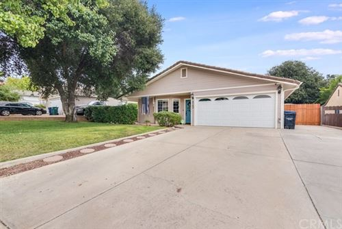 Photo of 4762 Meadow Lark Lane, Paso Robles, CA 93446 (MLS # NS20211369)