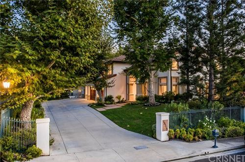 Photo of 18518 Saint Moritz Drive, Tarzana, CA 91356 (MLS # SR20218369)