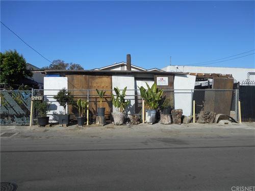 Photo of 5443 Satsuma Avenue, North Hollywood, CA 91601 (MLS # SR21231369)