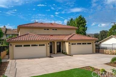 Photo of 2822 E Hillcrest Drive, Thousand Oaks, CA 91362 (MLS # BB21035369)