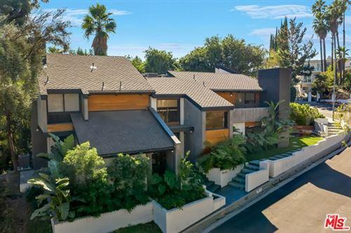 Photo of 19246 Casa Place, Tarzana, CA 91356 (MLS # 20667370)