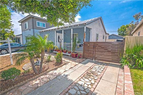 Photo of 854 Warren Avenue, Venice, CA 90291 (MLS # DW21076370)