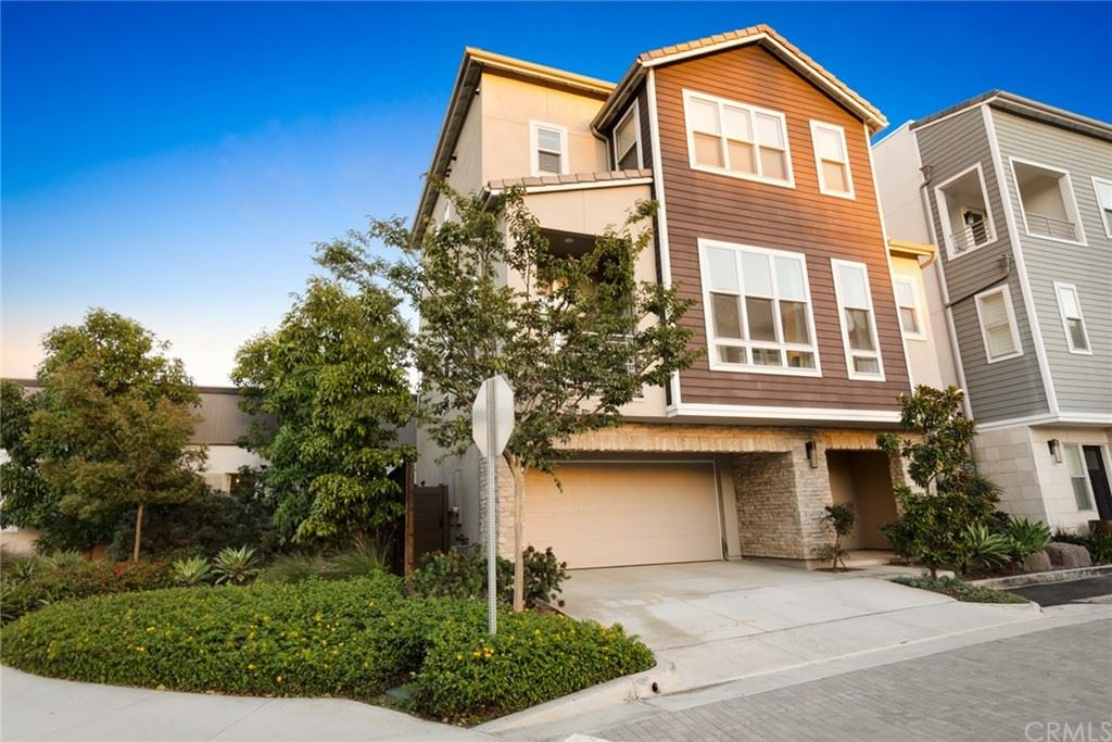 Photo of 2116 Tidewater Circle, Costa Mesa, CA 92627 (MLS # OC21229370)