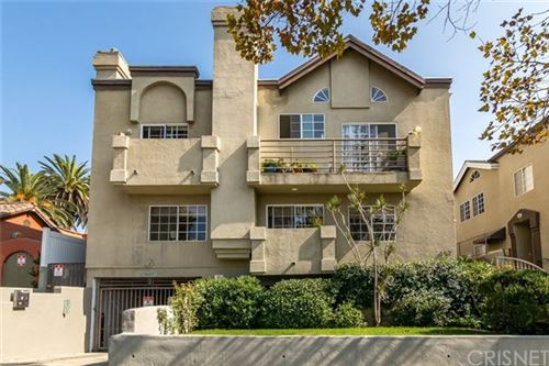 Photo of 852 N Poinsettia Place #2, West Hollywood, CA 90046 (MLS # SR20221371)