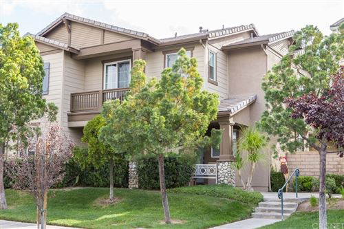 Photo of 27470 Coldwater Drive, Valencia, CA 91354 (MLS # SR21231371)