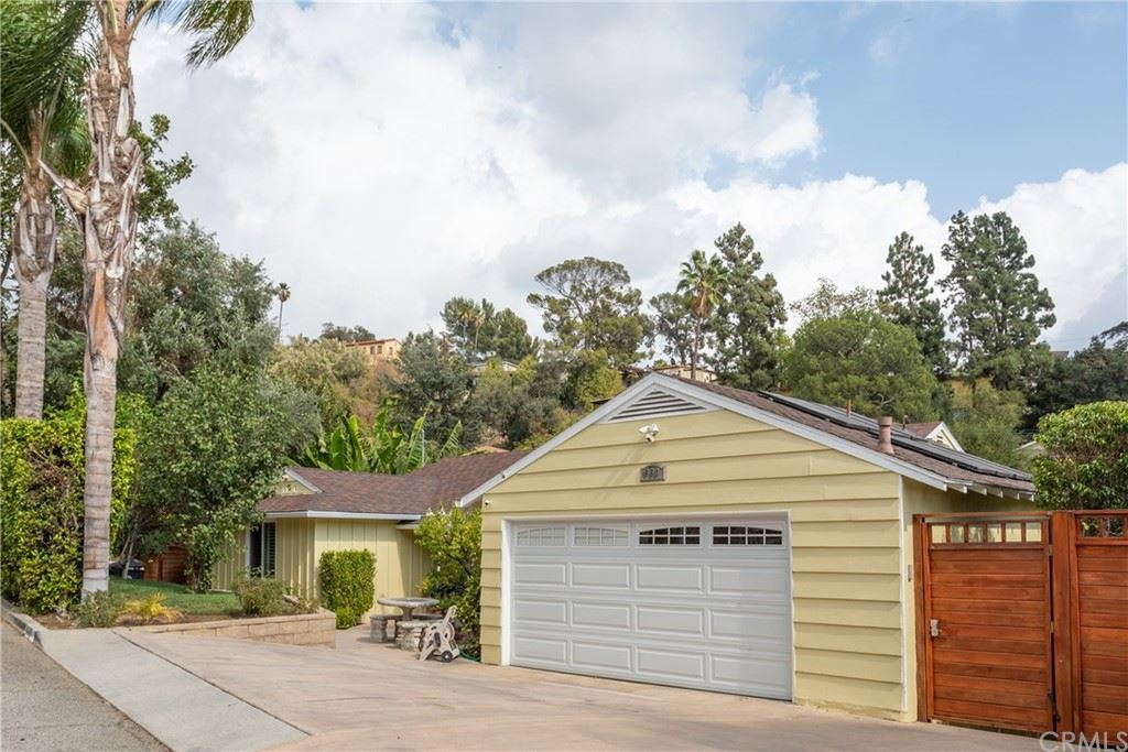 Photo of 660 Woodbury Road, Glendale, CA 91206 (MLS # BB21227371)