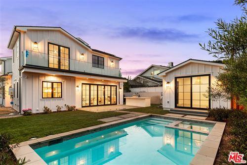 Photo of 512 N Robinwood Drive, Los Angeles, CA 90049 (MLS # 21752372)