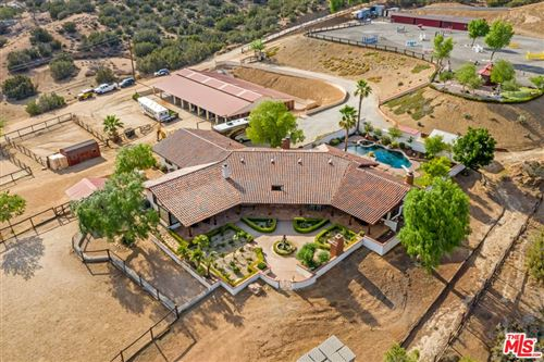 Photo of 35020 Sipes Place, Agua Dulce, CA 91390 (MLS # 21759372)