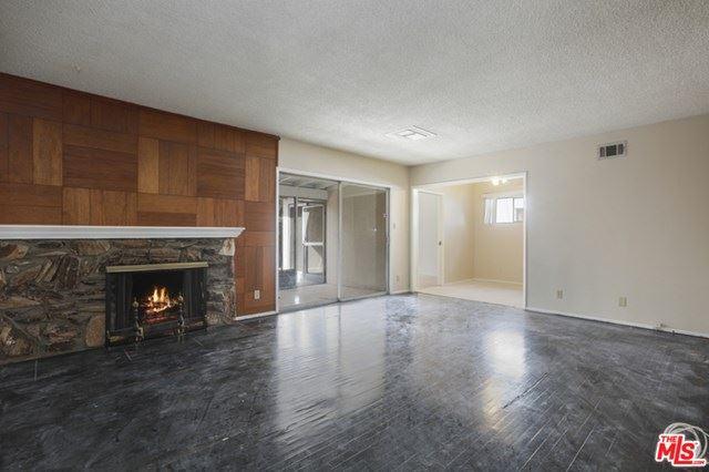 Photo of 6931 Langdon Avenue, Van Nuys, CA 91406 (MLS # 21693372)