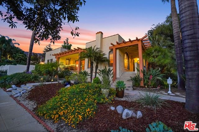 Photo of 823 Glenview Road, Glendale, CA 91202 (MLS # 21749372)