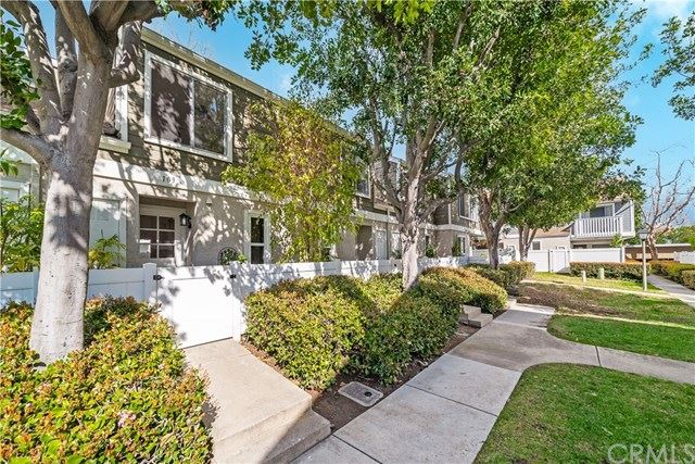 Photo of 109 Abbeywood Lane, Aliso Viejo, CA 92656 (MLS # OC21044372)