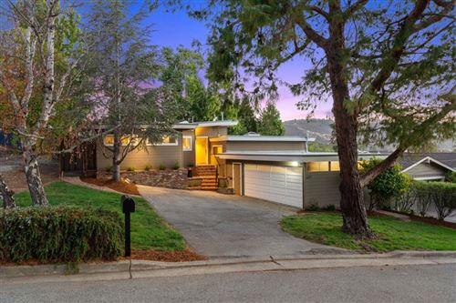 Photo of 607 Dartmouth Avenue, San Carlos, CA 94070 (MLS # ML81855373)