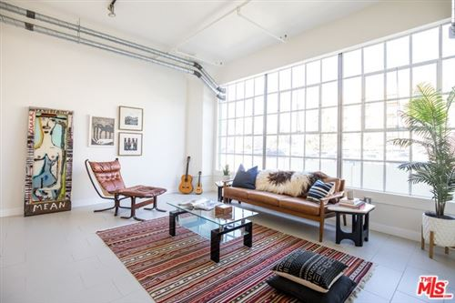 Photo of 939 S Broadway #902, Los Angeles, CA 90015 (MLS # 20555374)