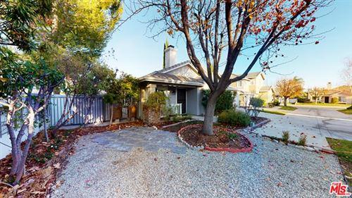 Photo of 25435 Chisom Lane, Stevenson Ranch, CA 91381 (MLS # 21680374)
