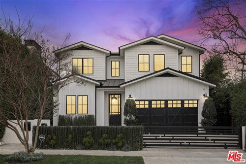 Photo of 806 N STANLEY Avenue, Los Angeles, CA 90046 (MLS # 21799374)