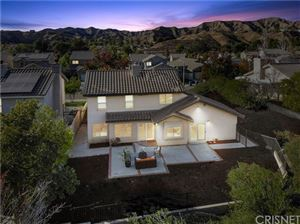 Photo of 29636 Parkglen Place, Canyon Country, CA 91387 (MLS # SR19261374)