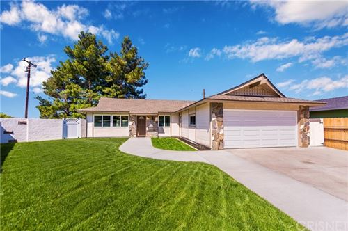 Photo of 28045 Lacomb Drive, Canyon Country, CA 91351 (MLS # SR20074374)