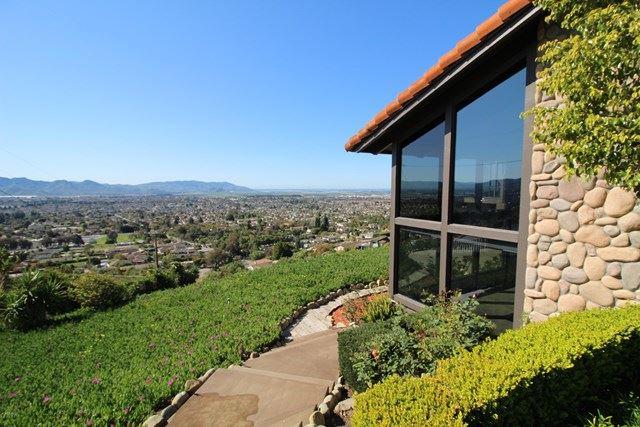 Photo of 55 Santa Cruz Way, Camarillo, CA 93010 (MLS # 220003374)
