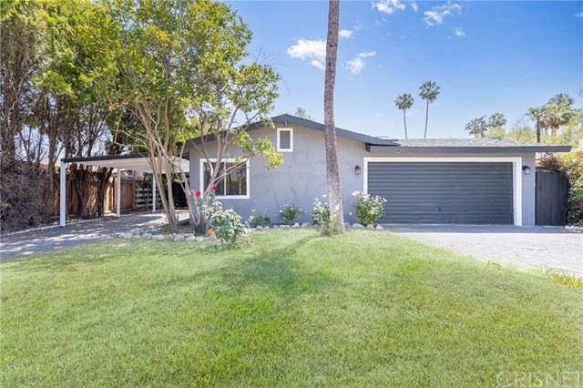 Photo of 6452 Jumilla Avenue, Woodland Hills, CA 91367 (MLS # SR21136375)