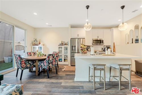 Photo of 9763 N Abrego Court, Panorama City, CA 91402 (MLS # 21775378)