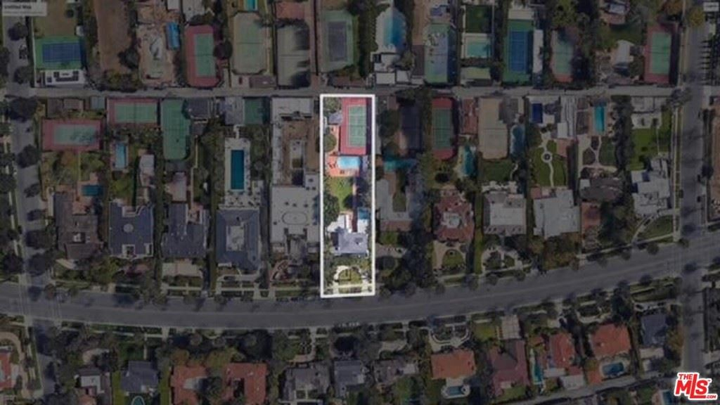 Photo of 614 N Beverly Drive, Beverly Hills, CA 90210 (MLS # 21693378)