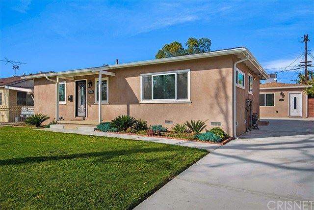 Photo for 12945 Cantara Street, North Hollywood, CA 91605 (MLS # SR21034379)