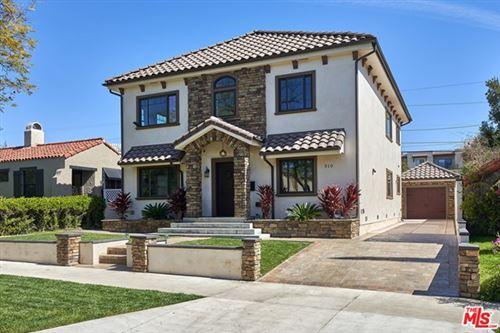Photo of 510 N Bronson Avenue, Los Angeles, CA 90004 (MLS # 21702380)