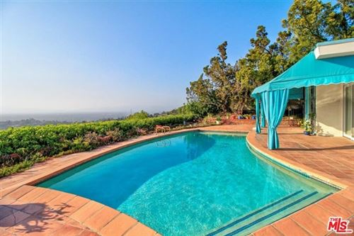 Photo of 8055 Mulholland Drive, Los Angeles, CA 90046 (MLS # 21733380)