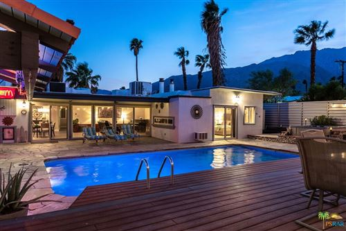 Photo of 410 E Lindsey Drive, Palm Springs, CA 92262 (MLS # 21788380)