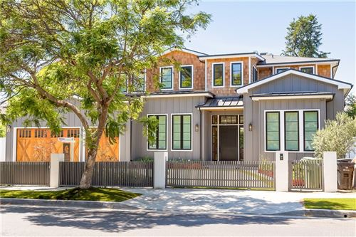 Photo of 1375 Allenford Avenue, Brentwood, CA 90049 (MLS # SR21215380)