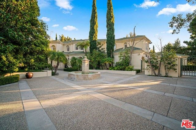 Photo of 16388 SHADOW MOUNTAIN Drive, Pacific Palisades, CA 90272 (MLS # 20556380)