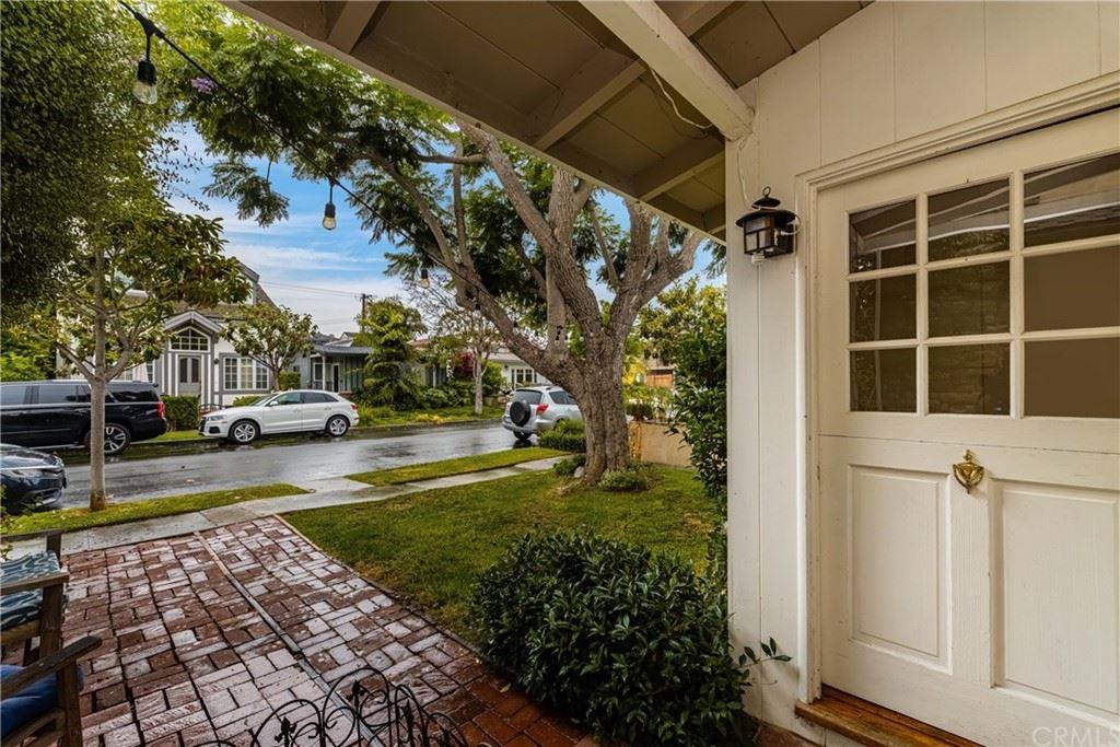 Photo of 417 Dahlia Avenue, Corona del Mar, CA 92625 (MLS # OC21164380)