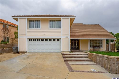 Photo of 28642 Kathleen Avenue, Saugus, CA 91390 (MLS # 320005381)