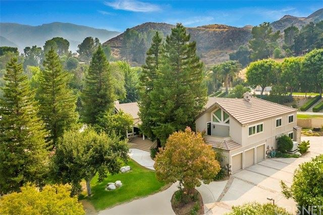 Photo for 16242 Pineview Road, Canyon Country, CA 91387 (MLS # SR20192381)
