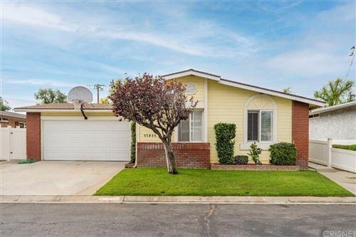 Photo of 27532 Onyx Lane, Castaic, CA 91384 (MLS # SR21183382)