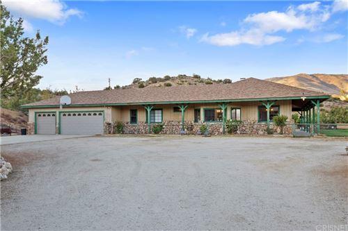 Photo of 6535 Juniper Crest Road, Agua Dulce, CA 91390 (MLS # SR21230382)