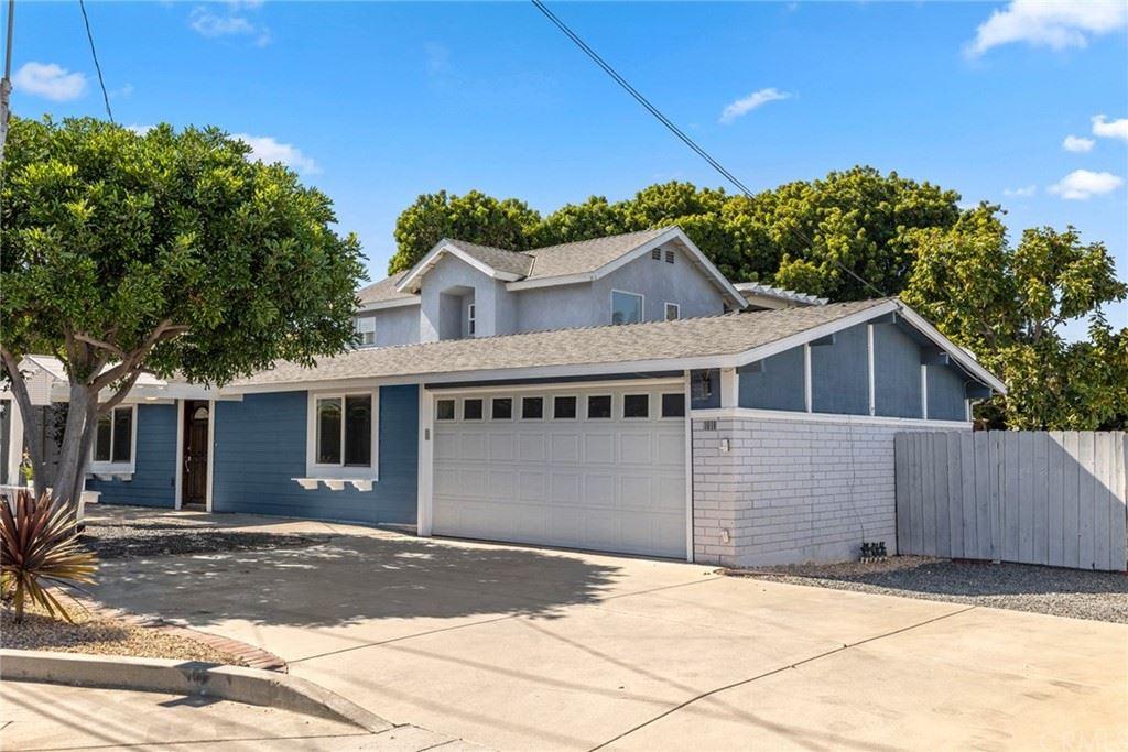 Photo of 1010 W Wilson Street, Costa Mesa, CA 92627 (MLS # OC21160383)