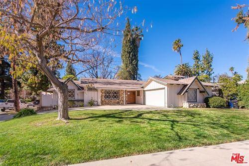 Photo of 4919 Dunman Avenue, Woodland Hills, CA 91364 (MLS # 21680384)