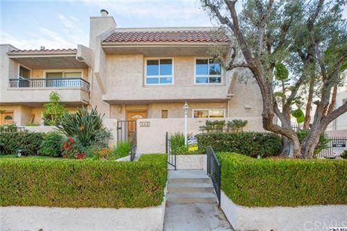 Photo of 5401 Zelzah Avenue #123, Encino, CA 91316 (MLS # 320004384)