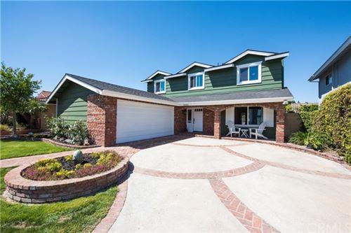 Photo of 3241 Lama Avenue, Long Beach, CA 90808 (MLS # CV21078384)