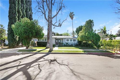 Photo of 19150 Erwin Street, Tarzana, CA 91335 (MLS # SR21034384)