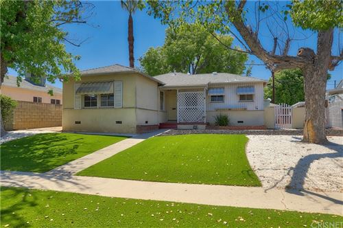 Photo of 6627 Sylvia Avenue, Reseda, CA 91335 (MLS # SR21168384)