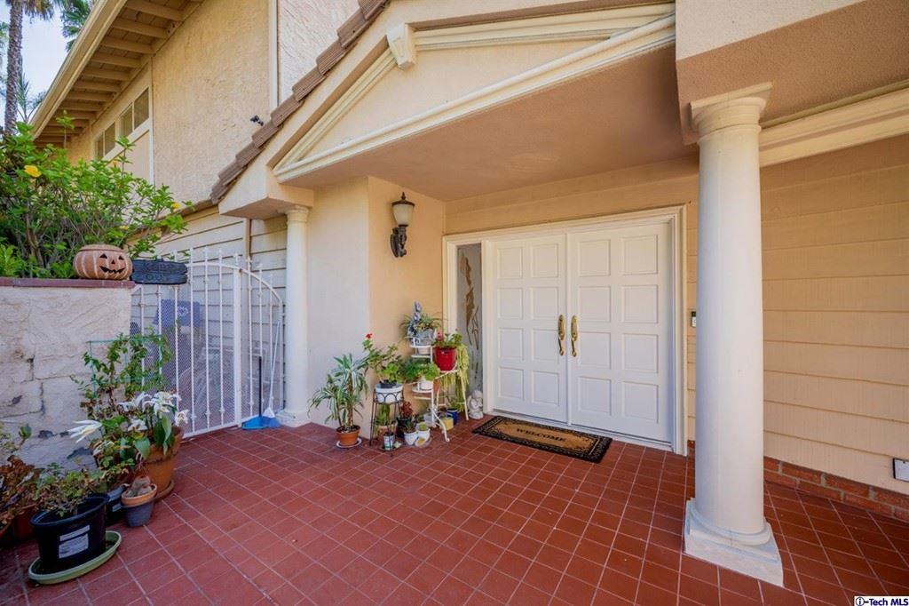 Photo of 2320 Via Saldivar Street, Glendale, CA 91208 (MLS # 320007384)