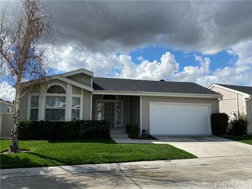 Photo of 20084 Crestview Drive, Canyon Country, CA 91351 (MLS # SR20080386)