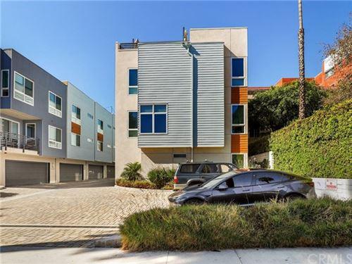 Photo of 5639 Cielo Way, Los Angeles, CA 90028 (MLS # BB21036387)