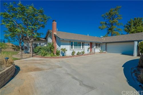 Photo of 27465 Garza Drive, Saugus, CA 91350 (MLS # SR20239387)