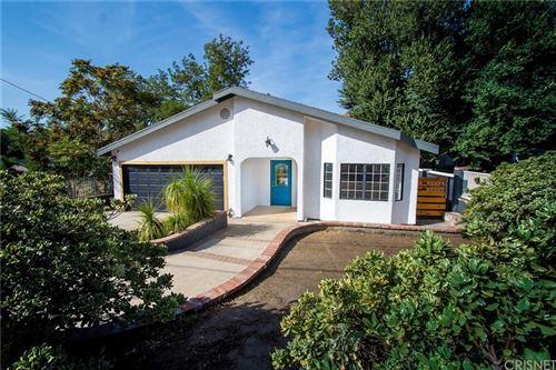 Photo of 29721 Hunstock Street, Castaic, CA 91384 (MLS # SR21217387)